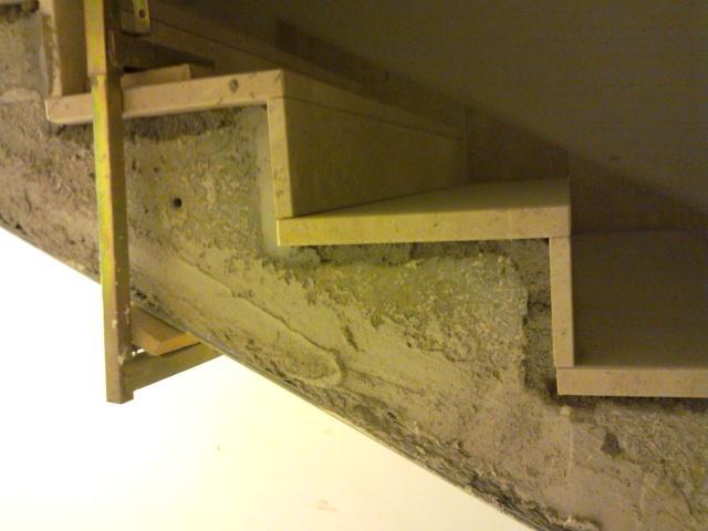 Scala in costruzione da rustico a finito laboratori di for Seminterrato finito rustico
